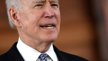 Biden reaguje na Chauvinovu vinu. Volal Floydově rodině, plánuje veřejný projev