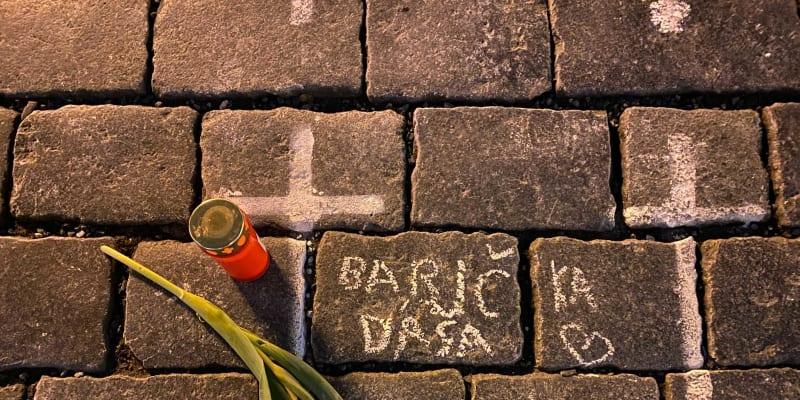 Křížky na Staroměstském náměstíKřížky na Staroměstském náměstí dostaly osobní rozměr.
