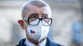 Sledujte ŽIVĚ Andreje Babiše v Hlavních zprávách o rošádě s poslanci i vakcínách