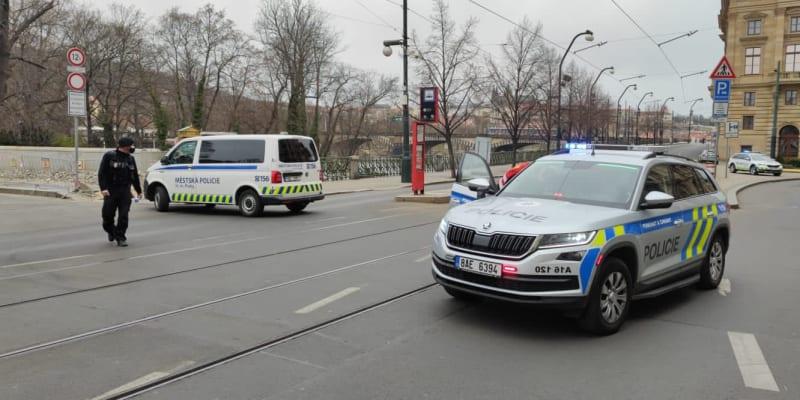 Zásah policie u nálezu ve Vltavě