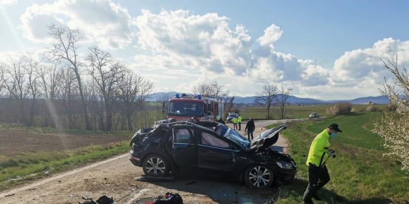 Při nehodě na Slovensku zemřela žena se svým kolegou.