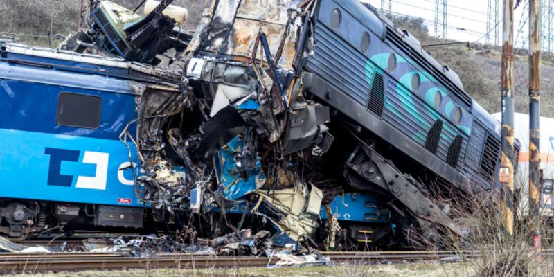 Odstraňování následků nehody nákladních vlaků u obce Světec na Teplicku