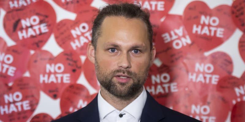 Učitel Tomáš Hamberger radí se školstvím jak premiérovi, tak vicepremiérovi Karlu Havlíčkovi.