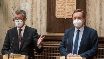 Sledujte ŽIVĚ: Česko míří k rozvolňování. Vláda má základní plán, projednala ho ve čtvrtek