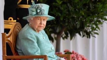 Královna Alžběta promluvila o smrti prince Philipa: V mém životě je teď velké prázdno