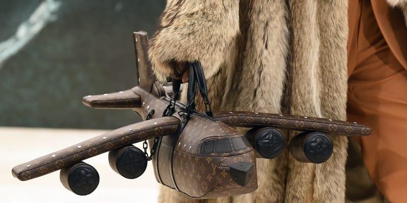 Nová pánská kabelka od značky LuisVuitton je k mání za závratných 40 tisíc dolarů