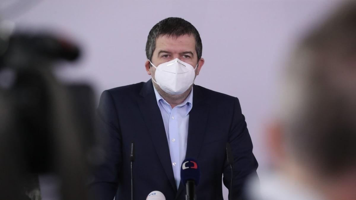 Hamáček: Budeme diskutovat o dalších krocích vůči Rusku. Stát měl vše pod kontrolou