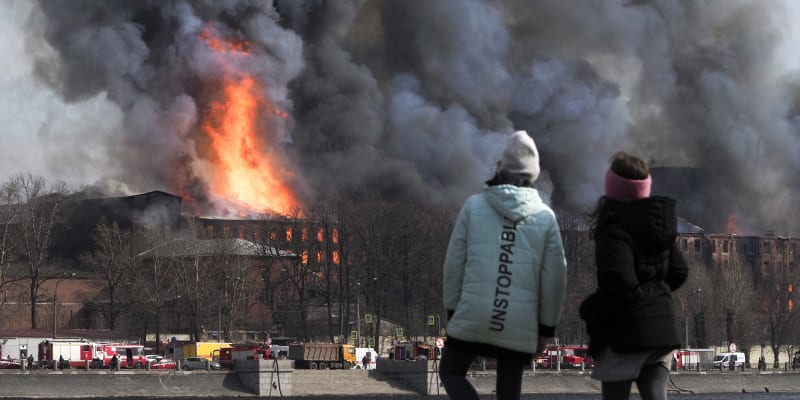 Ruští vyšetřovatelé zadrželi ředitele petrohradské Něvské manufaktury a jeho zástupce.