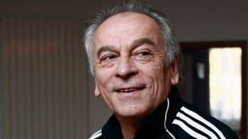 Den blbec, říká k lekci od Arsenalu Cipro. Trest pro Kúdelu musí štvát každého, dodává