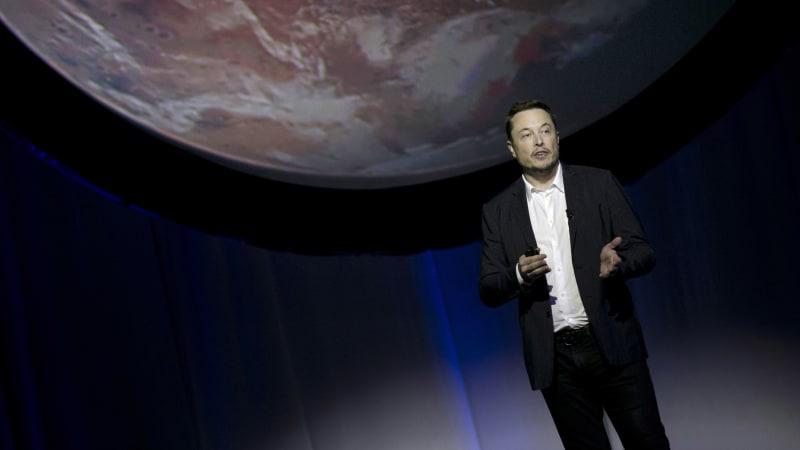 Elon Musk na Měsíci. NASA si pro příští let vybrala lunární modul SpaceX