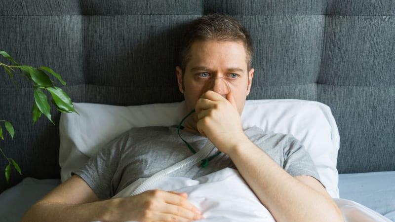 Naděje při léčbě covidu: Lék proti astmatu může zabránit vážným příznakům