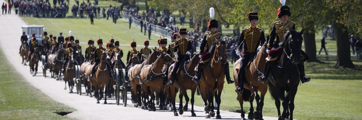 Přímý přenos: Británie se loučí s princem Philipem. Jaký byl jeho život?