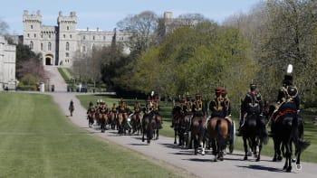 Přímý přenos: Británie se loučí s princem Philipem. Živě z Windsoru vystoupí reportér