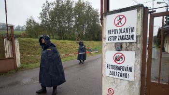 Dva mrtví, stamilionové škody. Co se stalo v muničním areálu ve Vrběticích v roce 2014?