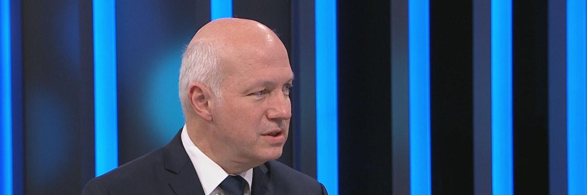 Fischer: Prezident měl podpořit vládu, místo toho se ztratil. Tak hlava státu nefunguje