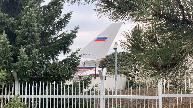 ON-LINE: Jak se vyvíjí kauza Vrbětice? Pro ruské diplomaty přiletěl vládní speciál