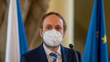 Razantní odpověď: Česko vyhostí dalších 22 ruských diplomatů a 48 pracovníků ambasády