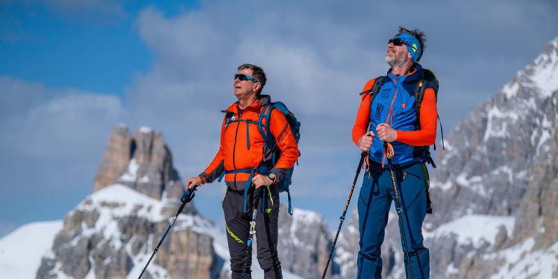 Herec Jiří Langmajer (vpravo) a jeho skialpový guru Branislav Gabo Adamec v italských Dolomitech.