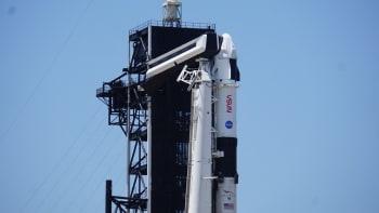 Kosmická loď SpaceX  úspěšně odstartovala do vesmíru se čtyřmi astronauty