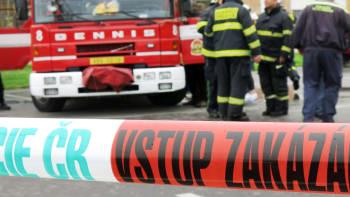 Ostravu zahalil černý dým. V Dolních Vítkovicích hoří autovrakoviště