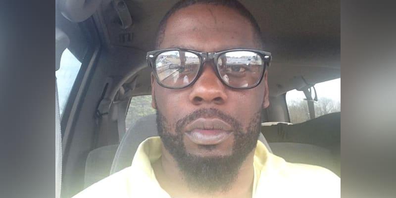 Policisté Browna zastřelili minulou středu při vymáhání zatykačů a povolení k domovním prohlídkám souvisejícím s drogovou trestnou činností.