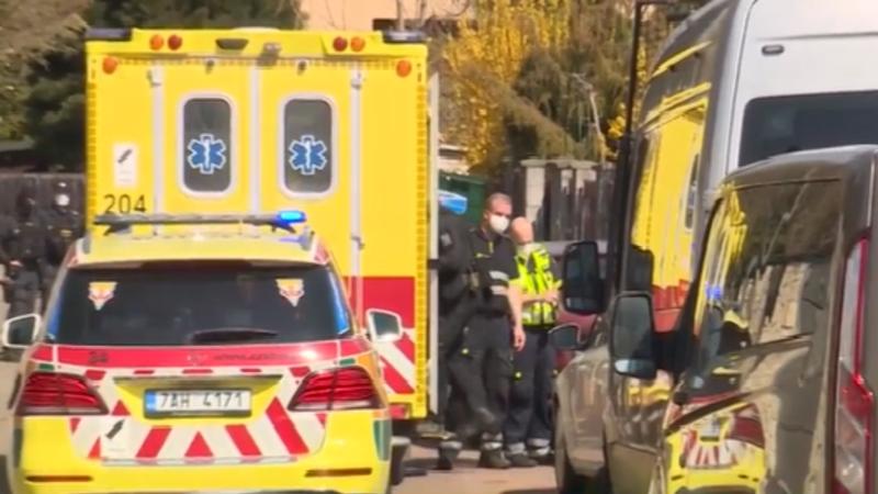 Krvavý útok 14letého chlapce v Dolních Chabrech? Případ se vyšetřuje jako pokus o vraždu