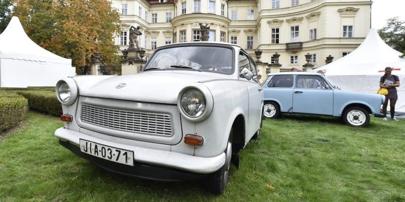 Legendární vůz, který je neodmyslitelně spjat s komunistickým blokem a v těžké době si ho mohla pořídit řada lidí – to je trabant.
