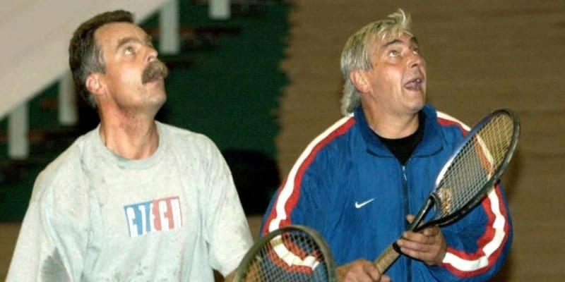 Slavomír Lener (vlevo) se svým bývalým kolegou Ivanem Hlinkou při tenise
