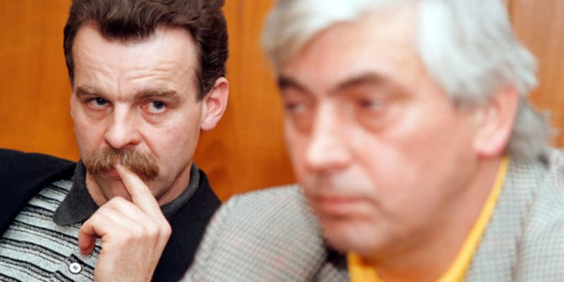 Slavomír Lener (vlevo) a jeho osudový trenérský kolega Ivan Hlinka v roce 1997