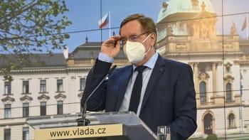 Největší rozvolnění odstartuje v pondělí. V celém Česku se otevřou obchody i školy
