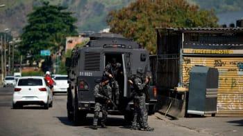 Rio de Janeiro: Nejméně 25 mrtvých při přestřelce mezi drogovým gangem a policií