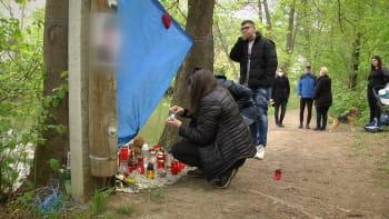 Pieta za zesnulého Tomáše: Na utonulého chlapce u Svratky vzpomínají stovky lidí
