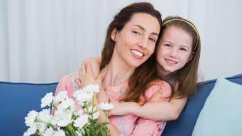 V neděli slavíme Den matek. Jak vznikl a proč byl kdysi opomíjený?