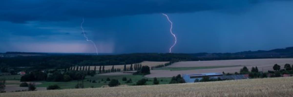 Déšť, bouřky a povodně. Na sluníčko na pár dní zapomeňte, vzkazují meteorologové