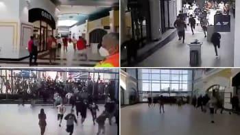 Otevřené obchody spustily v Česku šílenství. Nakupující sprintovali kvůli slevám