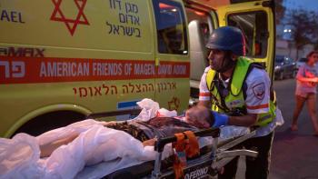 Malého chlapce zabila palestinská raketa. Matka se ho snažila ukrýt, šrapnel prolétl oknem