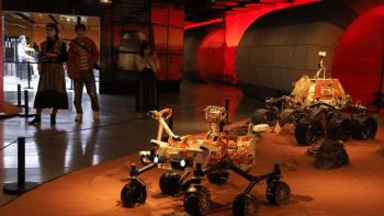 Čínský vesmírný modul přistál na planetě Mars. Robotické vozítko prozkoumá povrch