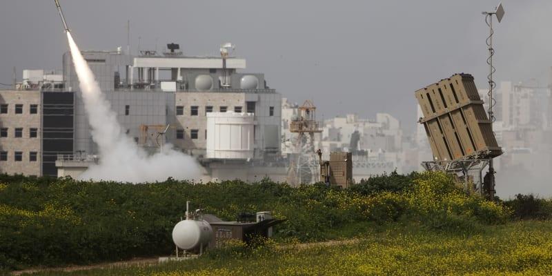 Baterie izraelského obranného systému Železná kopule