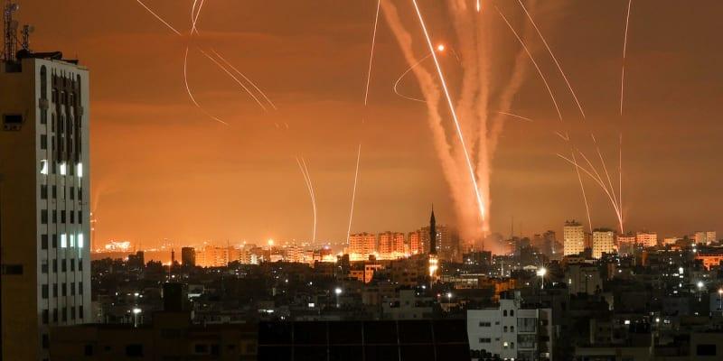 Izrael chrání před raketami systém Železná kopule.