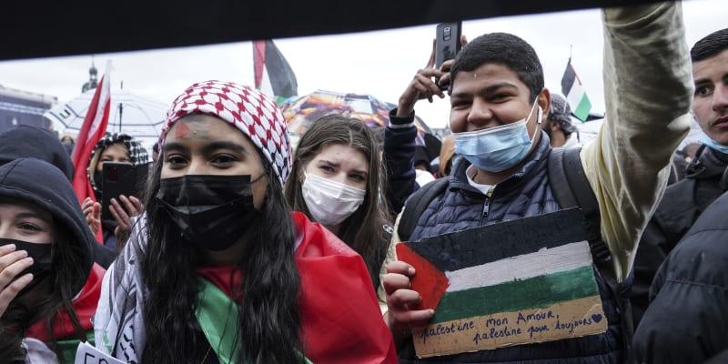 Úřady povolily demonstrace v Lyonu, Bordeaux, Marseille, Nantes, Rennes, Štrasburku, Toulouse, Lille, Metz či Saint-Etienne.