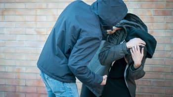 Drsná rvačka školáků v Mostě: Kopali se a mlátili do hlavy. Případ řeší policie