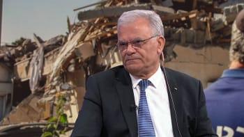 Palestinský velvyslanec: Izrael je okupant a rozmazlené dítě. Bílou vlajku neuvidíte