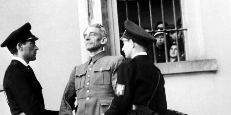 Karl Hermann Frank za své válečné zločiny zaplatil životem.