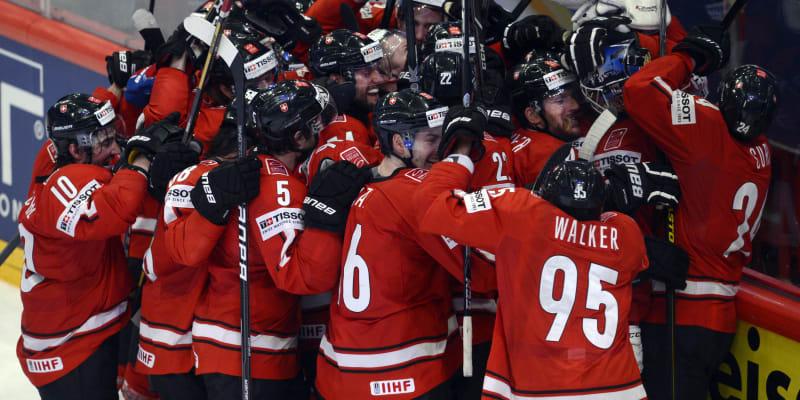 Švýcaři slaví postup do finále mistrovství světa v roce 2013.