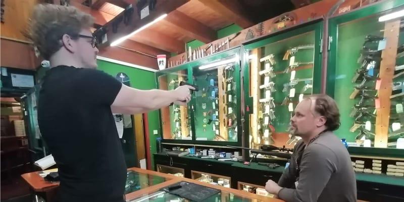 Prodejna zbraní a střelnice v ostravském hotelu Corrado, v němž se ubytovali ruští agenti GRU.