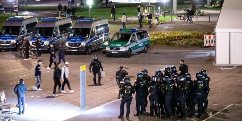 K incidentu došlo v sobotu večer na náměstí Kleiner Schlossplatz.
