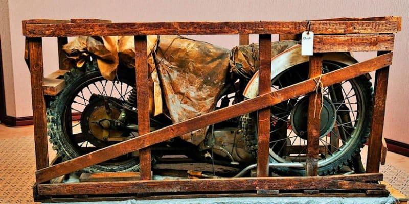 Podle všeho se jedná o legendární motokrosový stroj ČZ 400 typ 981.