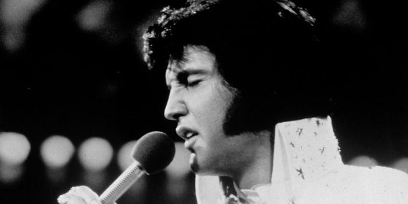 Elvisova záře začala postupně zhasínat. Zemřel náhle v pouhých dvaačtyřiceti letech.