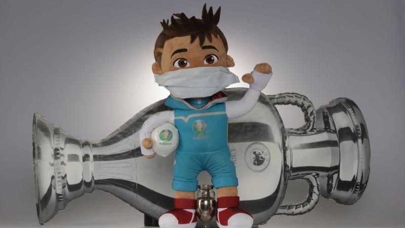 Euro na 11 stadionech. Kde se bude hrát a co symbolizují oficiální maskot a míč?