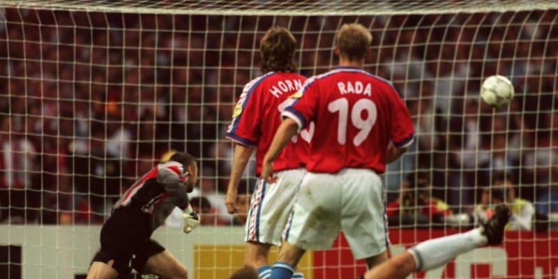 Zlatý gól na Euru 1996, který vstřelil Oliver Bierhoff. Petr Kouba byl bezmocný.